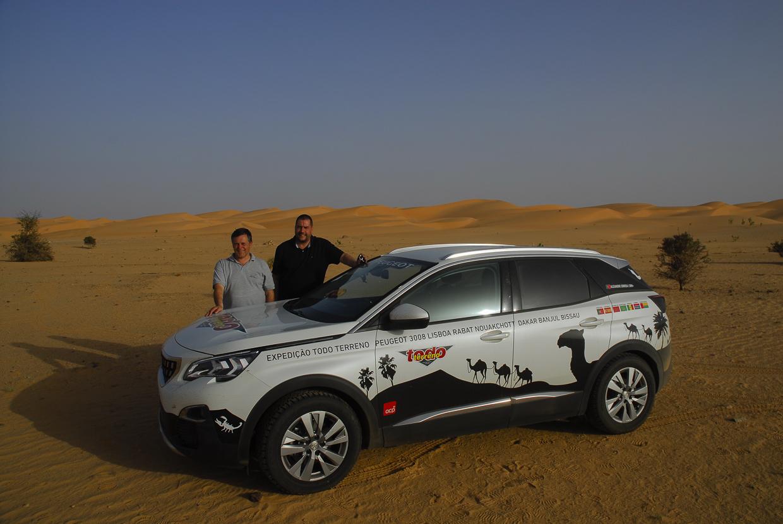 Mauritânia Pedro Simões e Luís Jerónimo com o 3008 no deserto