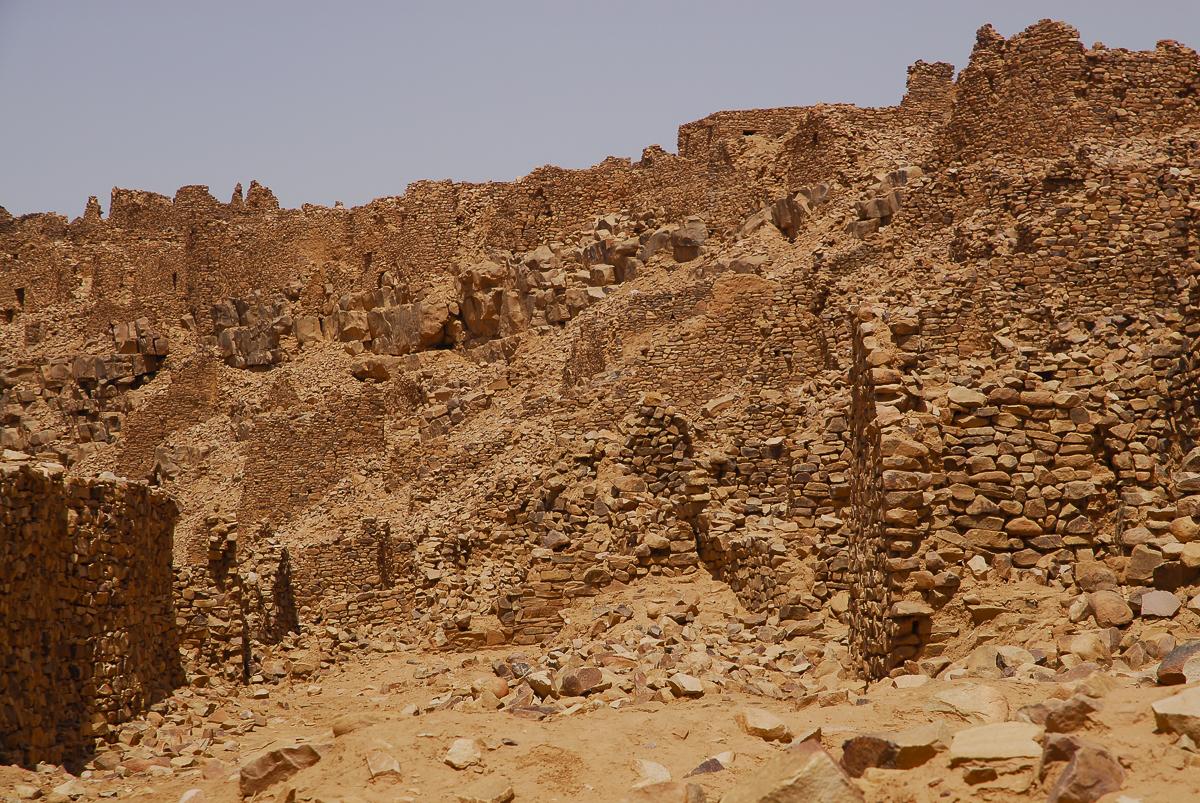 Mauritânia as ruínas da cidade medieval de Ouadane